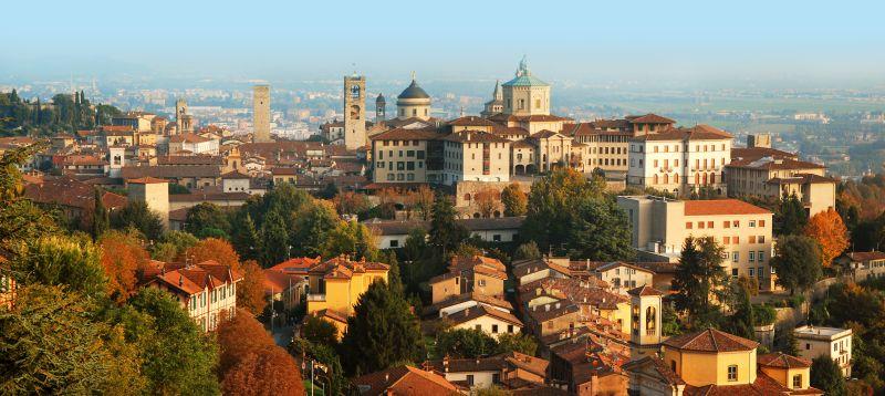 K jezeru Lago di Garda nebo do Milána. Letenky do Bergama již od 588 Kč z ČR a jeho okolí