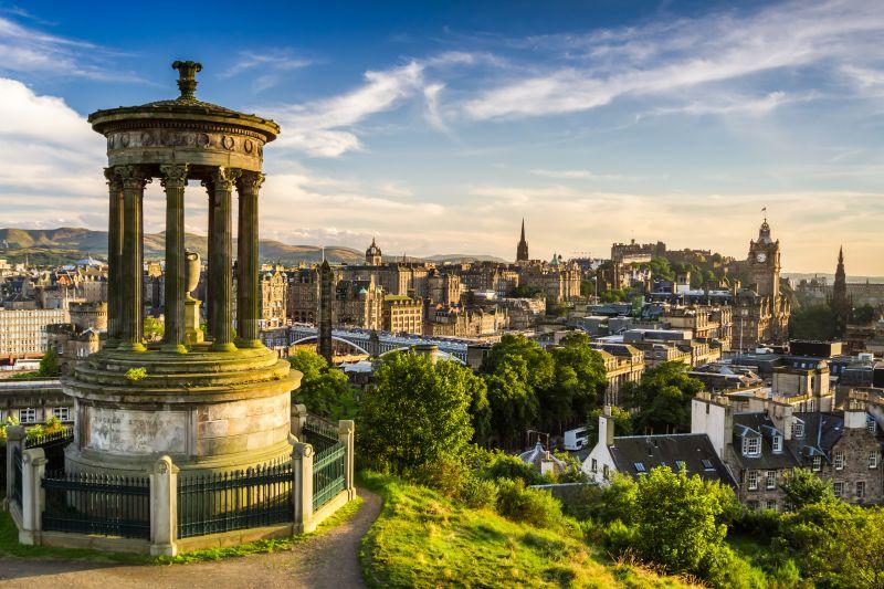 Do Edinburghu na prodloužený víkend. Letenky na konci dubna za 1810 Kč s odletem z Prahy