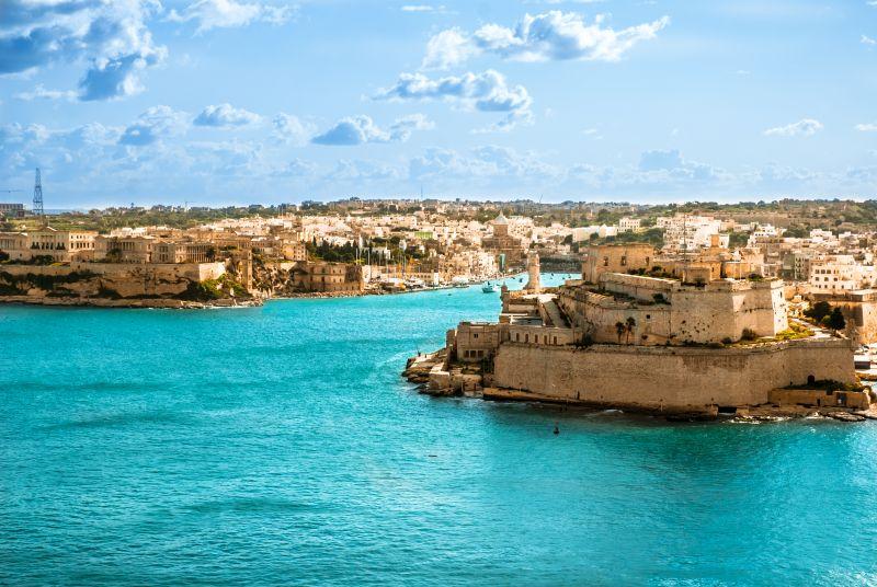 Letní prázdniny na Maltě bez kompromisů. Letenky s odletem z Vídně včetně odbaveného zavazadla za 2990 Kč