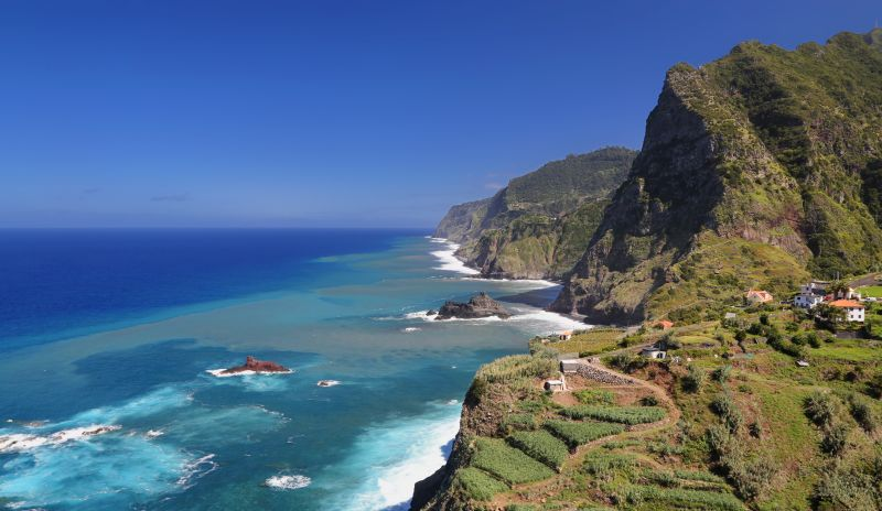 Madeira – podzim na ostrově věčného jara. Letenky od 4390 Kč. Odlet z Vídně a Prahy
