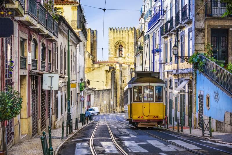 Vypravte se na okraj Evropy do pulzujícího Lisabonu. Letenky z Vídně za 2390 Kč a z Prahy od 4790 Kč