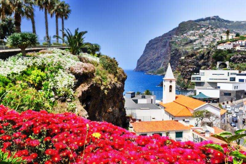 Hromada termínů na ostrov věčného jara. Letenky na Madeiru za 3990 Kč s odletem z Prahy a Vídně