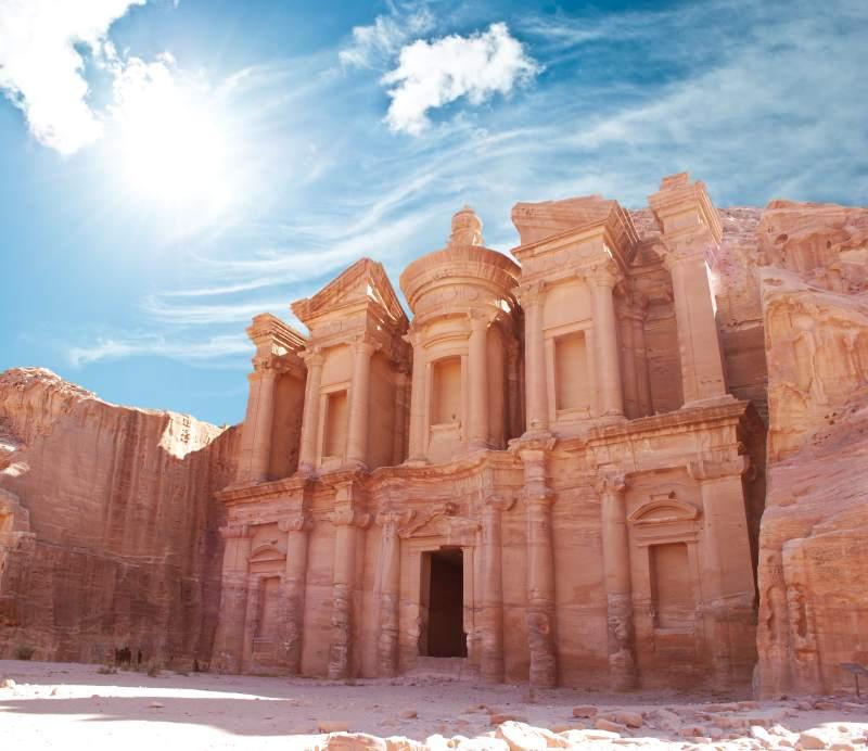 Jordánské pouště a dechberoucí Petra. Letenky v sezóně za 1690 Kč