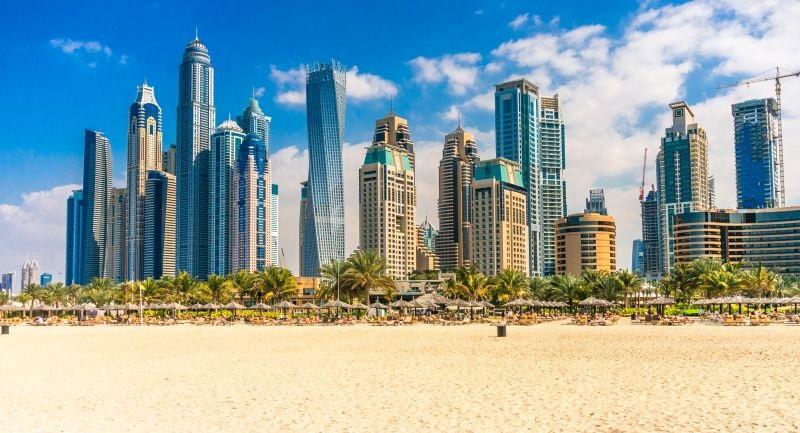Do Dubaje a pak do Ománu přes hlavní sezónu. Letenky od 4390 Kč s odletem z Prahy