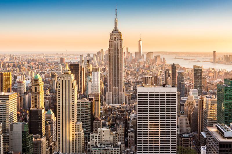 Do New Yorku za hubičku s přestupem za 6690 Kč a bez za 8490 Kč. Odlet z Vídně