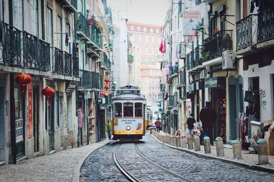 Přímý let do podzimního Lisabonu za 3 890 Kč – odlety z Prahy