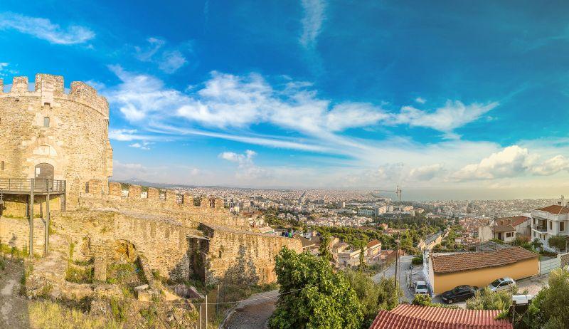 Prodloužený víkend v Řecku. Letenky do Soluně od 603 Kč s odletem z Vídně a z Prahy
