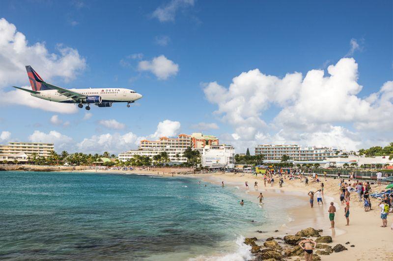 Nejslavnější pláž světa na Svatém Martinu letecky za 11990 Kč