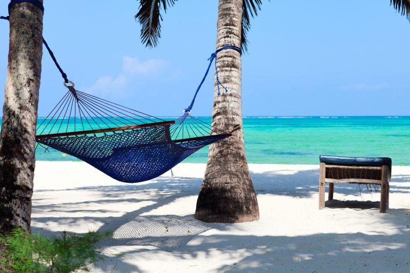 Dlouhé písečné pláže na Zanzibaru. Letenky od 12990 Kč s odletem z Německa