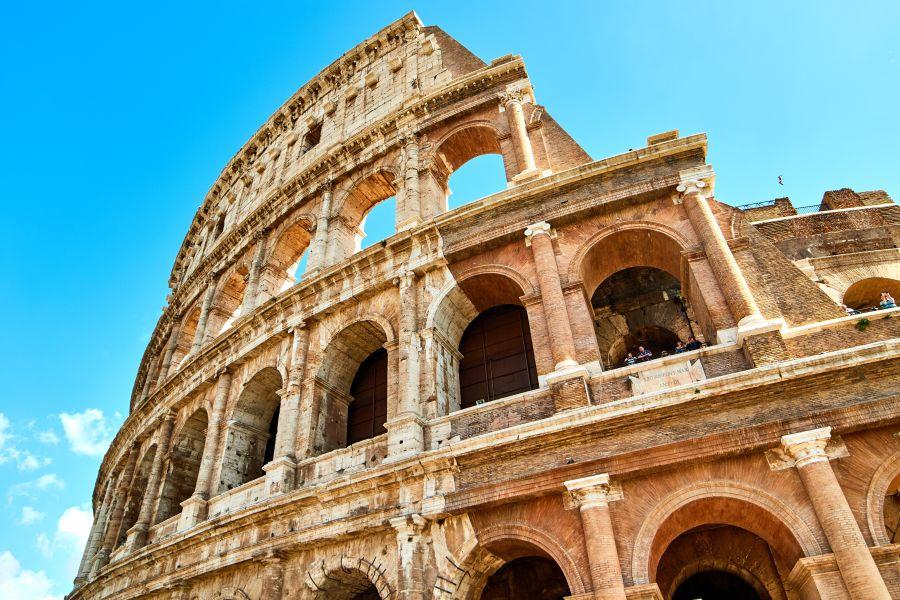 Červencový prodloužený víkend ve starověkém Římě. Letenky od 1296 Kč s odletem z Vídně a z Prahy