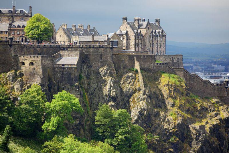 Drsná skotská kráska – město Edinburgh. Z Prahy za 2242 Kč