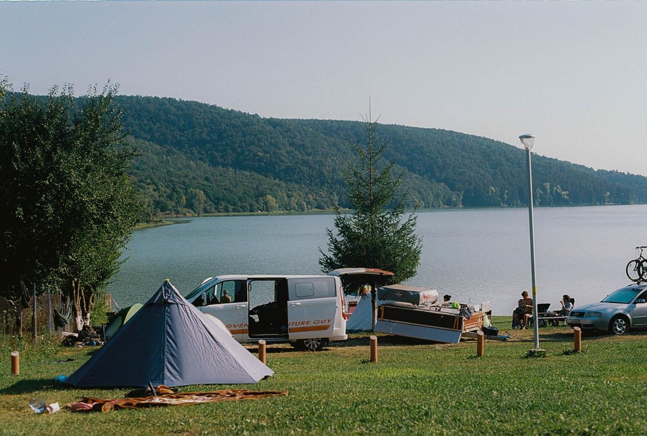 plné připojení kempů na jezeře Michigan