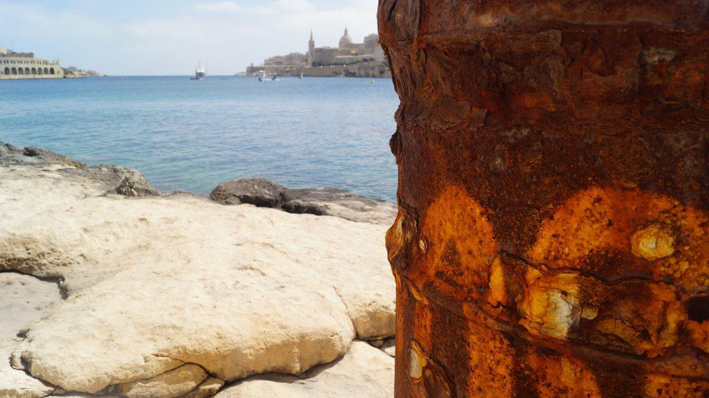Malta - beton, hlína a provoz